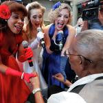 Ардагер Лоуренс Брукс 110 жаш курагын Жаңы Орлеандагы экинчи дүйнөлүк согушка арналган музейде белгиледи