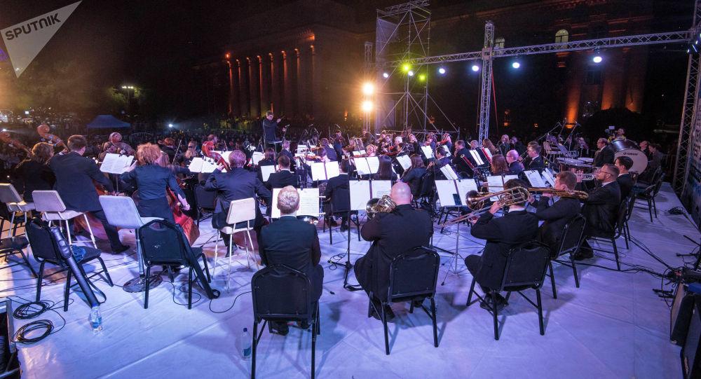 Бишкектин эски аянтында өткөн классикалык музыканын Tengri Music Festival аттуу концерт. Архивдик сүрөт