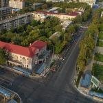 В воскресенье утром в центре Бишкека, к удивлению многих горожан, не было машин