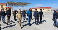Министр по таможенному сотрудничеству Евразийской экономической комиссии Нурлан Акматов посетил пункт пропуска Торугарт в Нарынской области