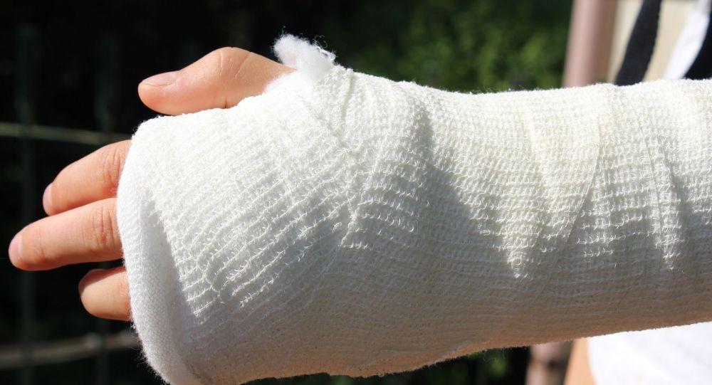 Забинтовая рука. Иллюстративное фото