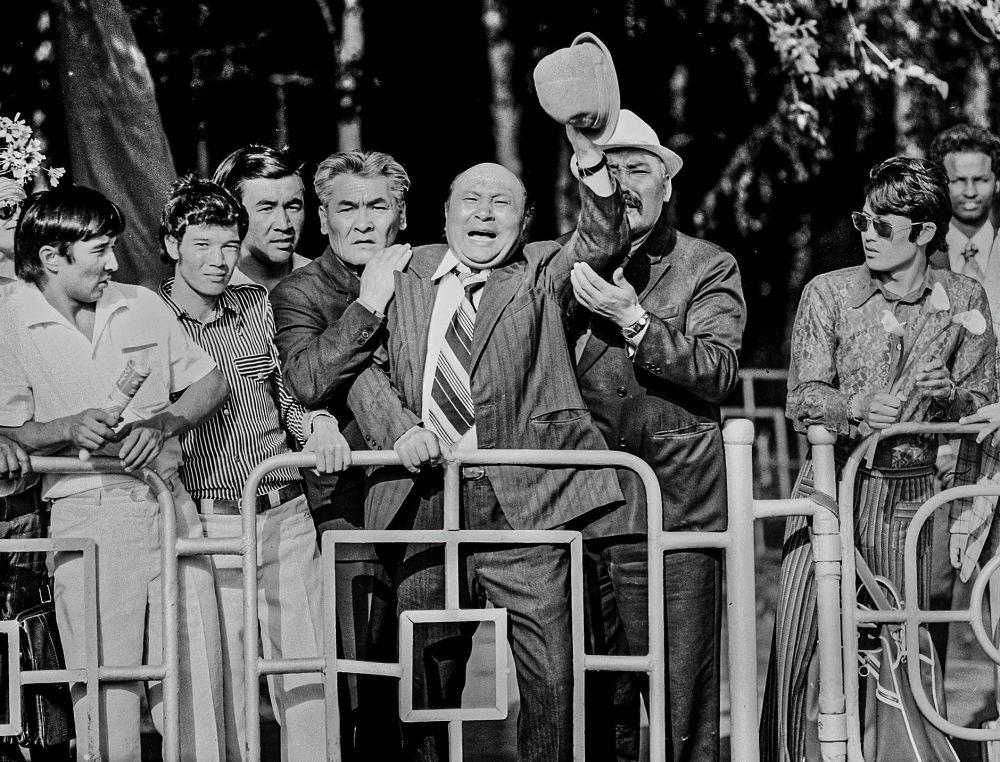 Медель Маниязов, Советбек Жумадылов жана Орозбек Кутманалиев, Фрунзе (азыркы Бишкек) шаары, 1976-жыл