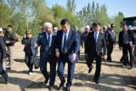 Президент Кыргызской Республики Сооронбай Жээнбеков во время рабочей поездки в селе Ичке Булун