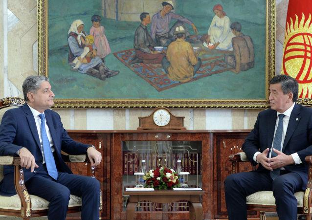 Президент КР Сооронбай Жээнбеков встретился с председателем Коллегии Евразийской экономической комиссии Тиграном Саркисяном