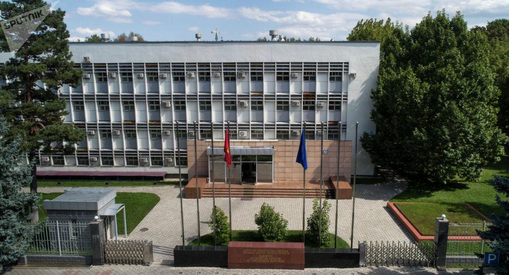 Здание министерства иностранных дел Кыргызской Республики на бульваре Эркиндик в Бишкеке. Архивное фото