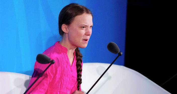 16-летняя шведская активистка по климату Грета Тунберг выступает на саммите ООН по изменению климата в 2019 году в штаб-квартире США в Нью-Йорке, Нью-Йорк. США, 23 сентября 2019 года