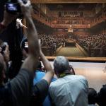 Көчө сүрөтчүсү Бэнксинин Британ парламентин тарткан сүрөтү Sotheby'sа аукцион үйүндө сатыкка коюлат. Баштапкы баасы 1,9 – 2,5 миллион доллар.