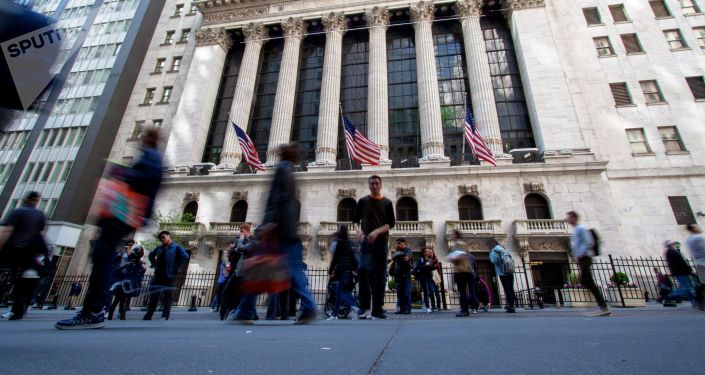 Нью-Йоркская фондовая биржа, расположенная на улице Уолл-Стрит.