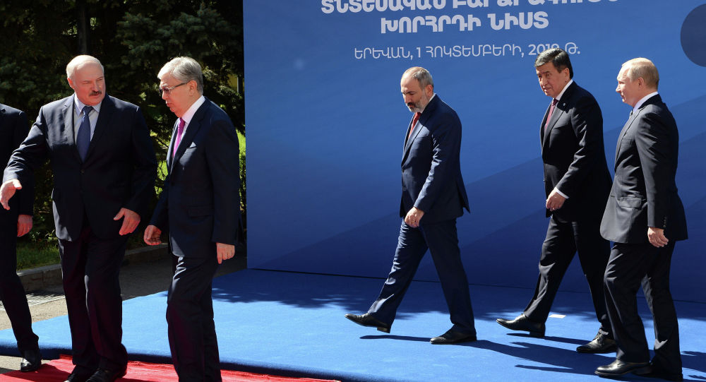 Президент Кыргызской Республики Сооронбай Жээнбеков принимает участие в заседании Высшего Евразийского экономического совета (ВЕЭС). 1 октября 2019 года