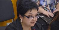 Ведущий специалист Управления школьного, дошкольного и внешкольного образования Министерства образования и науки КР Салтанат Мамбетова призвала кыргызстанцев не критиковать министерство.