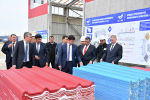 Премьер-министр КР Мухаммедкалый Абылгазиев ознакомился с ходом строительства шиферного завода в городе Кызыл-Кия