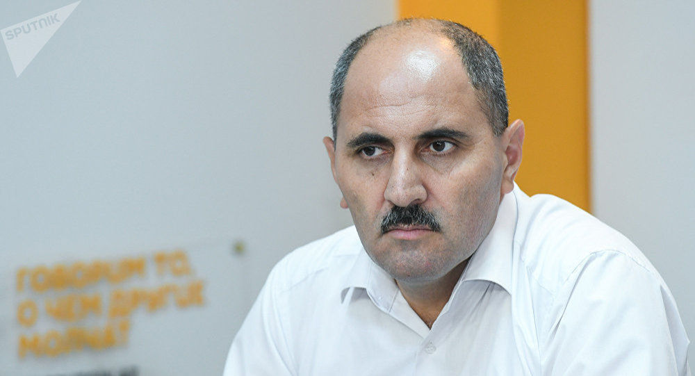 Публицист, член Совета прессы Азербайджана Азер Хасрет. Архивное фото