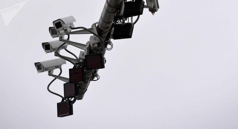 Комплекс автоматической фиксации нарушений правил дорожного движения. Архивное фото