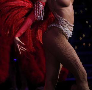 Танцовщица Мулер Руж во время выступления