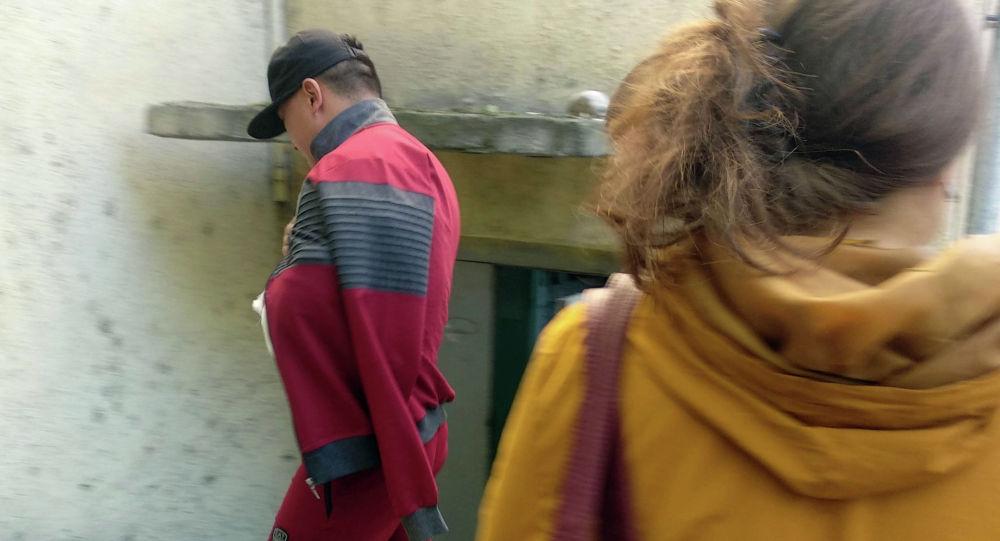 Бишкек шаардык криминалдык милициянын уюшкан кылмыштуулукка каршы күрөшүү бөлүмүнүн жетекчиси Нурлан Амангуловдон ок жеген жаран
