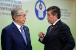 Президент КР Сооронбай Жээнбеков и президент Казахстана Касым-Жомарт Токаев. Архивное фото