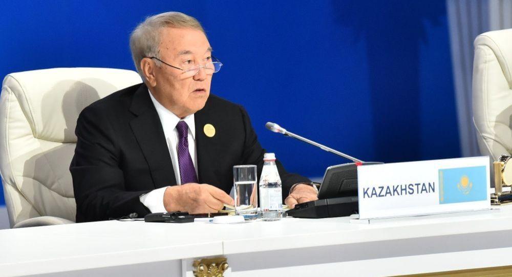 Архивное фото первого президента РК Нурсултана Назарбаева