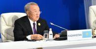 Казакстандын биринчи президенти Нурсултан Назарбаев. Архивдик сүрөт