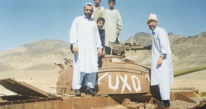 Экс-депутат ЖК КР V созыва Турсунбай Бакир уулу на переговорах с боевиками Исламского движения Узбекистана в Афганистане