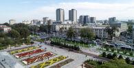 Вид на здания на пересечении улиц Манаса и Чуй с высоты в городе Бишкек. Архивное фото