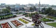 Вид на здания на проспекте Чуй в центре Бишкека. Архивное фото
