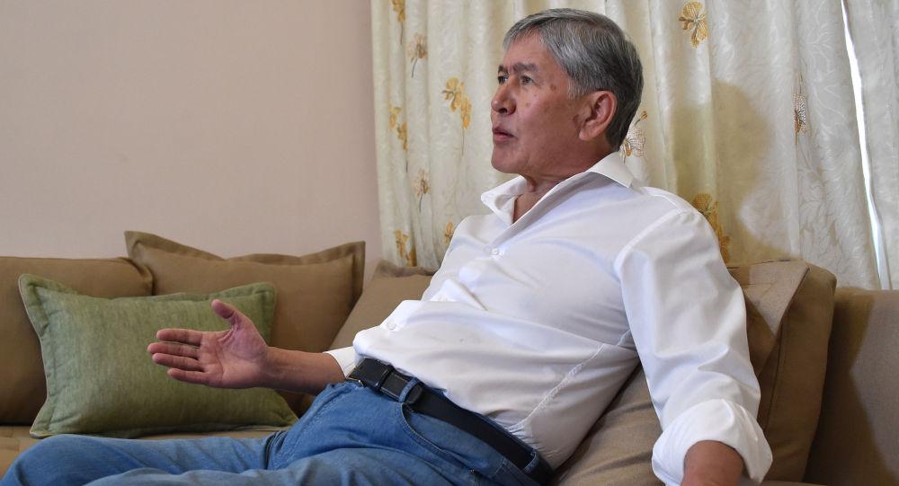 Кыргызстдандын мурдагы президенти Алмазбек Атамбаев. Архив