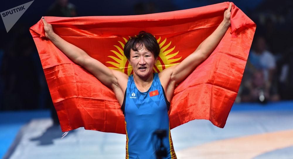 Чемпионка мира по борьбе  Айсулуу Тыныбекова. Архивное фото