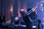 Российский музыкант Евгений Маргулис во время выступления на пятилетии Sputnik Кыргызстан