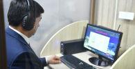 Премьер-министр Кыргызской Республики Мухаммедкалый Абылгазиев вместе с членами правительства Кыргызской Республики посетил государственное учреждение Кыргызтест и сдал тестирование на знание государственного языка. 19 Октябрь, 2019 года