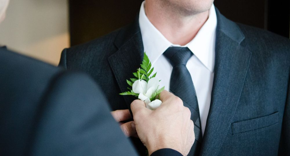 Жених перед церемонией бракосочетания. Архивное фото