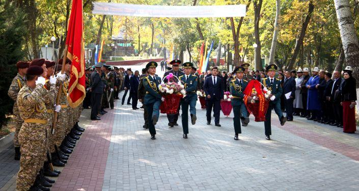 В Оше почтили память военнослужащих, погибших во время баткенских событий 1999–2000 годов