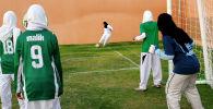 Футболистки в хиджабе. Архивное фото