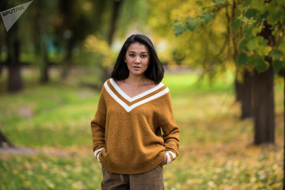 Зарема Жунусова, PR-специалист, создатель проекта MamaParty, блогер, увлекается пением