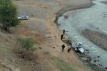В Ноокенском районе автомобиль упал в реку с обрыва, погибли водитель и его супруга