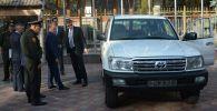 Управление ООН по наркотикам и преступности в Кыргызстане передало Государственной службе исполнения наказаний новый внедорожник Land Cruiser