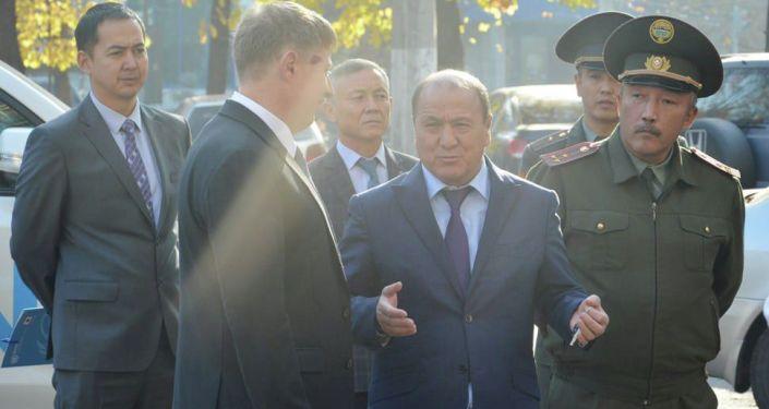 Управление ООН по наркотикам и преступности в Кыргызстане передало Государственной службе исполнения наказаний новый внедорожник Land Cruiser 200
