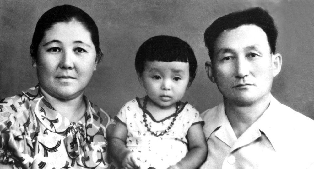 Кечээ кыргыз агартуучуларынын сап башында турган белгилүү окумуштуу, манас таануучу Зияш Бектенов