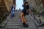 Женщина исполняет танец Джокера на ставшей знаменитой лестнице в Бронксе, Нью-Йорк