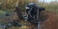 Последствия ДТП автомобиля марки Volkswagen Passat при въезде в город Орловка