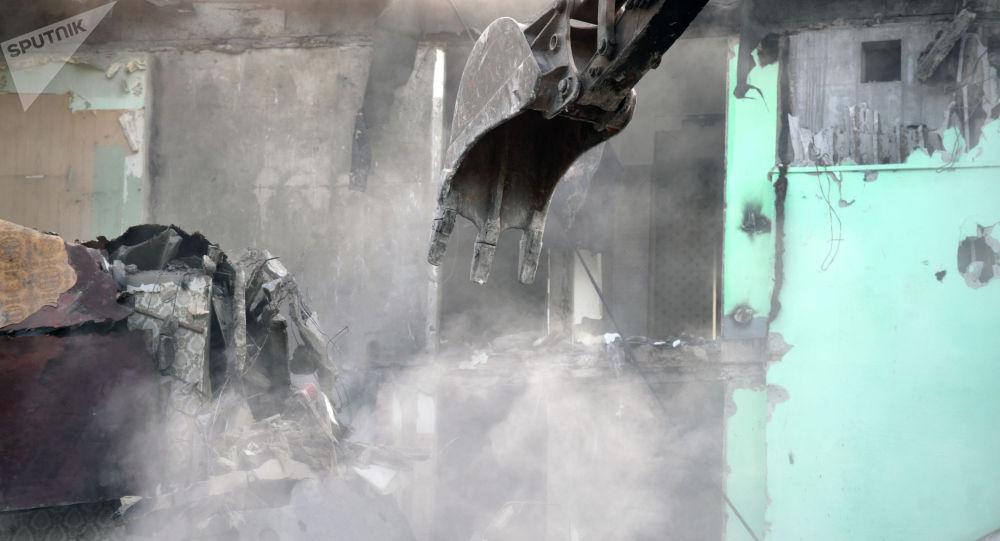Снос здания. Архивное фото