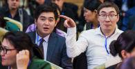 Журналисты Sputnik Кыргызстан Максат Элебесов и Бакыт Толканов на пресс-конференции