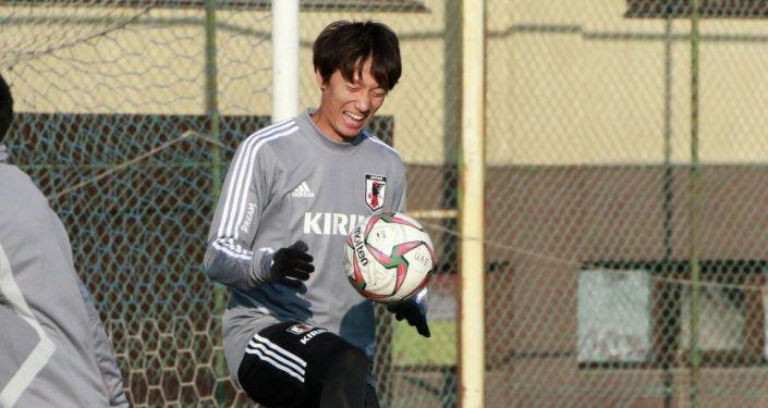 Сборная Японии по футболу накануне провела первую тренировку в Бишкеке