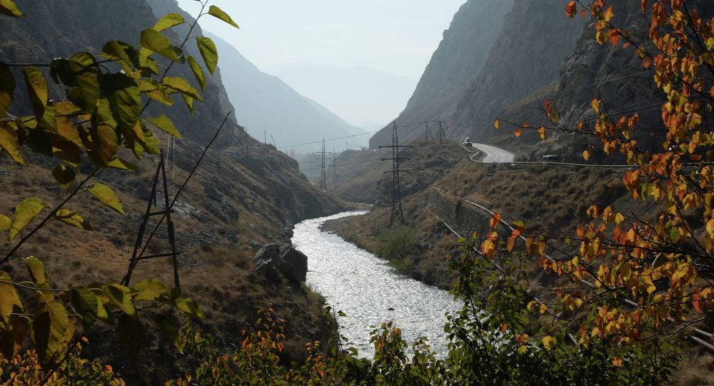 Кадамжайдагы дарыя. Архивдик сүрөт