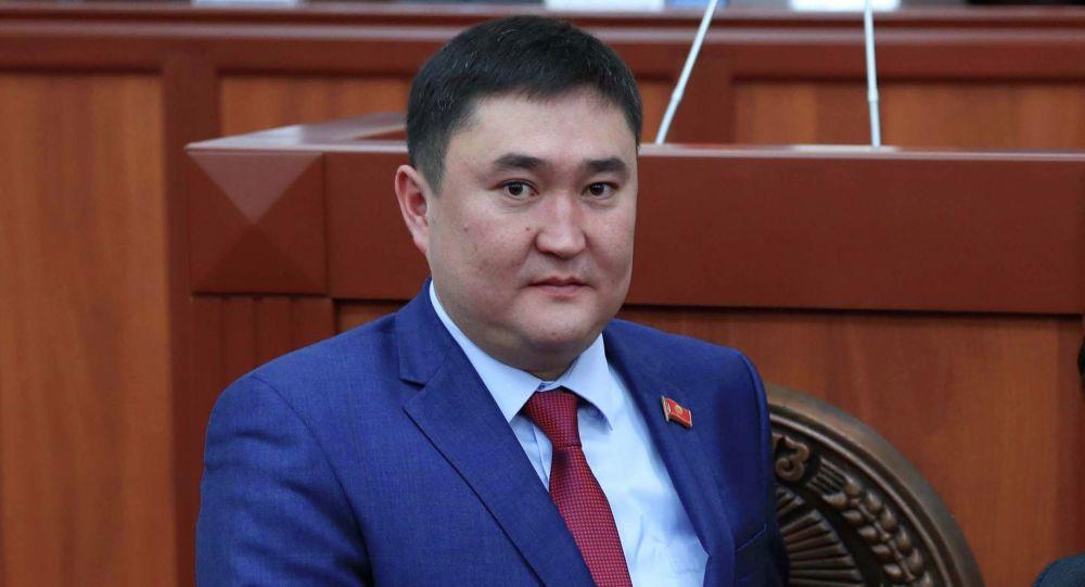 Депутат Жогорку Кенеша от фракции Кыргызстан Жаныбек Исаев. Архивное фото