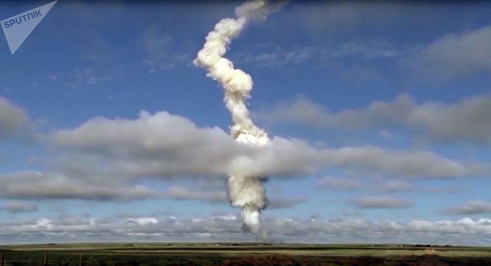 Испытания новой ракеты системы ПРО. Архивное фото