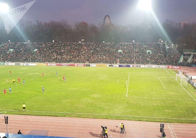 Футбольный матч между сборными Кыргызстана и Японии на стадионе Омурзакова в Бишкеке