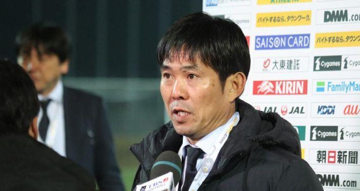 Тренер японской команды Мориясу Хадзимэ на итоговой пресс-конференции