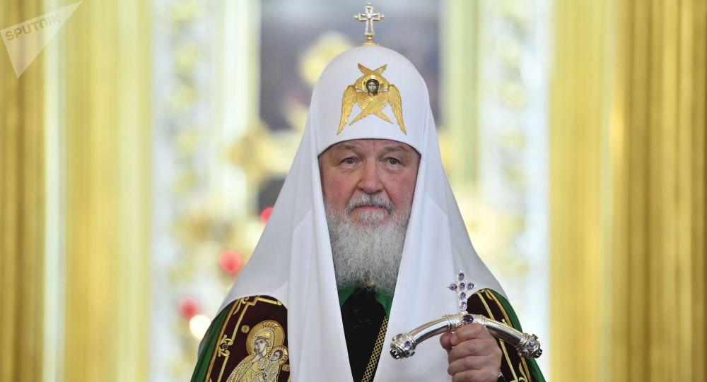 Патриарх Московский и всея Руси Кирилл во время Божественной литургии в Спасо-Преображенском соборе Санкт-Петербурга.