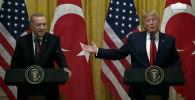 АКШ менен Түркиянын президенттери Дональд Трамп менен Режеп Тайип Эрдоган Анкаранын Россиянын С-400 комплексин сатып алышынан кийинки чыңалган абалды жөнгө салуу аракетин көрүп жатат.