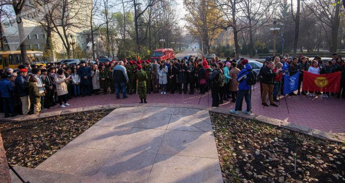 В Бишкеке прошел митинг-реквием, посвященный памяти воинов-панфиловцев. 16 ноября, 2019 года